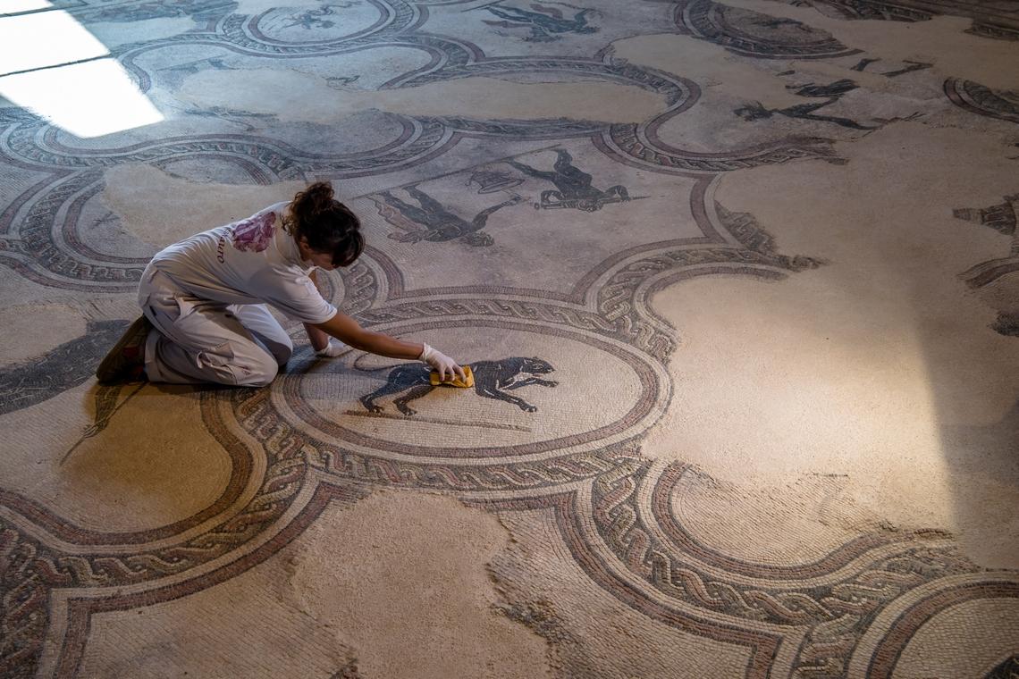 Villa dei Mosaici Spello, Restauro Triclinio