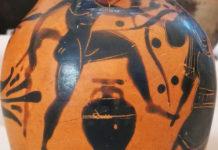 Pittore di Gela, Satiro con anfora. Da Spina